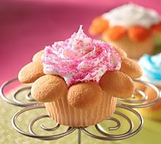 Summer is in full bloom. Impress your guests with Blooming Flower Cupcakes made with NILLA Wafers.