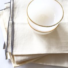 Vintage condiment cups and linen napkins found in Paris Flea Markets <3 #tablewares #conidiments #vintage #gold #grey #aged #preloved #T+TxParis #T+Ttravels <See www.twigsandtwills.com Blog>