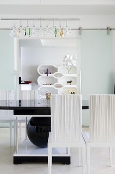 Modern vs. Contemporary Interior Design DesignShuffle