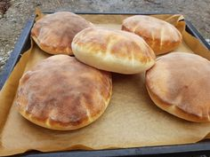 Pita chlieb (fotorecept) - obrázok 8 - My site Gyro Pita, Easy Cooking, Cooking Recipes, Salty Foods, Pita Bread, Bread And Pastries, Bread Baking, Sweet Recipes, Bakery