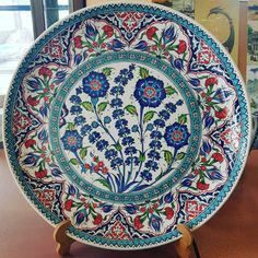 Ceramic Plates, Ceramic Art, Decorative Plates, Plate Wall Decor, Plates On Wall, Ukrainian Art, Turkish Art, Beaded Embroidery, Cool Furniture