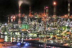 Muroran's industrial area: one of the 4 greatest night views of factories in Japan.