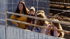 Chip and Joanna Gaines Return to TV for First Time Since End of Fixer Upper — Get a Sneak Peek of Their Special - - The couple are giving a first look at their new TV channel this Sunday on DIY Network. Joanna Gaines Family, Joanna Gaines Farmhouse, Joanna Gaines Style, Chip And Joanna Gaines, Jojo Gaines, Chip Gaines, Fixer Upper Joanna, Magnolia Fixer Upper, Joanna Gaines Instagram