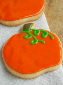 Shopgirl: Pumpkin Sugar Cookies