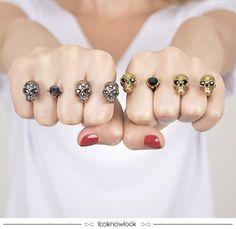 Anéis de Caveira nas cores prata e dourada. #moda #acessórios #iorane #look #bijoux #anel #outfit #shop #ecommerce #loja #compreonline #lnl #looknowlook