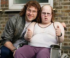David Walliams & Matt Lucas, Little Britain - Lou and Andy English Comedy, British Comedy, Little Britain, Latest Celebrity News, Comedy Tv, First Tv, Music Tv, Man Humor, Favorite Tv Shows