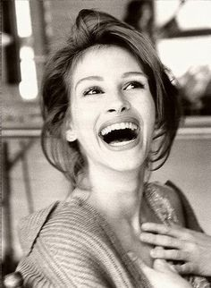 Julia Roberts. Just love her smile!!