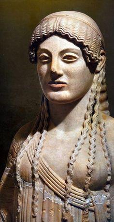 Kore, ancient Greek sculpture (490 AC)