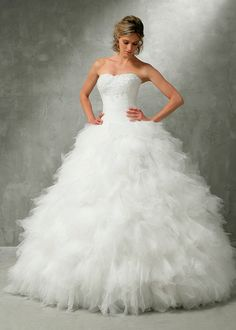 Cheap Wedding Dresses, Buy Directly from China Suppliers:Welcome To One Branch Alone StorePhoto Show:New Romantic Sweetheart Applique Beaded Floor Length Bandage Tulle Ball Gown 2015 Wedding Dresses, Bridal Dresses, Dress Wedding, Tulle Ball Gown, Ball Gowns, Weeding Dress, Princess Wedding, Trendy Dresses, Bridal Looks