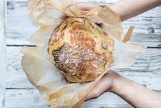 No Knead Bread: schnelles Brot ohne Kneten im Römertopf | Rezept-Varianten No Knead Bread, Camembert Cheese, Food, Pains, Essen, Meals, Yemek, Eten