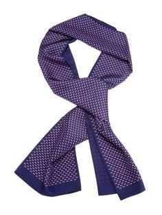 Ian Velardi scarf