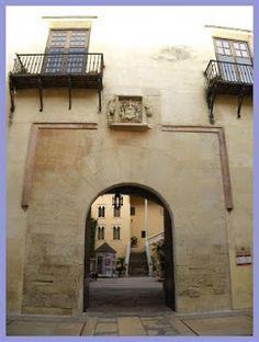Palacio Ducal de los Condes de Gandía o de los Borja - Gandia - Comarca de La Safor - Valencia Palaces, Valencia, Castles, Around The Worlds, Home Decor, Hiding Spots, Building, Paths, Decoration Home