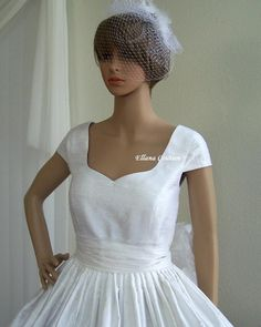 Capped sleeve wedding dress uke