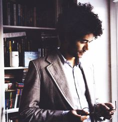 Richard Ayoade - Moss from the IT crowd and writer/director of Submarine It Crowd, Nerd Boyfriend, Julian Barratt, Blue Shirt Dress, Well Dressed Men, Attractive Men, Good Looking Men, Cute Guys, Actors & Actresses