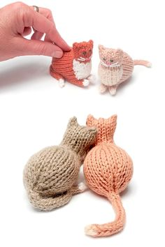 Tiny Parlor Cat - Free Pattern Tiny Parlor Cat – Free Pattern History of Knitting Yarn spinning, weaving and stitching careers s Love Knitting, Knitting Yarn, Baby Knitting, Animal Knitting Patterns, Crochet Patterns, Cat Pattern, Free Pattern, Knitting Projects, Crochet Projects