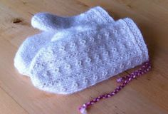 """This is a design by Elsie Jönsson. You can find them in the book """"Tvåändsstickat"""" by Dandanell and Danielsson. The pattern is included in . Fingerless Mittens, Knit Mittens, Knitted Gloves, Wrist Warmers, Twine, Knit Crochet, Winter Hats, Knitting, Children"""