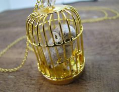 hedwig necklace. oh hedwig...