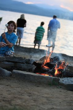 What family reunion would be complete without s'mores?! Have a private campfire & smores on the beach @Basin Harbor Club.