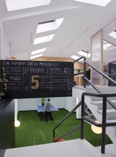 Coworking Magma Espacio / equipoeme estudio #Magma #Espacio #coworking #Ourense #equipoeme #interiorismo #oficina #diseño #relax Co Working, Start Up Business, Relax, Interior Design Studio, Offices, Projects, Keep Calm