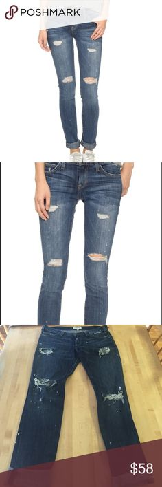 Current/Elliot The Skinny in Dark distressed wash Coveted current Elliot jeans. Featuring distressed accents for an artistic flare. Can be rolled at the ankle.  Great condition! Make an offer🙌 Current/Elliott Jeans Skinny
