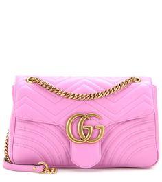 Sac cross-body en cuir matelassé rose bonbon - gg marmont medium matelasse leather shoulder bag - 1790 €