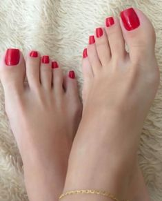 Red Toenails, Long Toenails, Nice Toes, Pretty Toes, Feet Soles, Women's Feet, Foot Pedicure, Red Pedicure, Pies Sexy