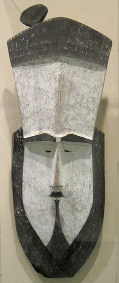 'Tapuanu' (mask), Federated States of Micronesia, Caroline Islands, wood painted with lime and soot.