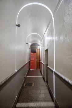 Showroom iGuzzini - Lyon, France – Lighting products: Trick, Palco framer by iGuzzini Illuminazione #iGuzzini #Lighting #Light #Luce #Lumière #Licht #Showroom