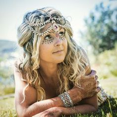Love Going to Festivals? If you do, you really should check us out We really have some Cool & Unique Festival Jewellery & ClothesBeautiful Henna by Shanti Henna Newcastle NSW #hindiindie #headjewellery henna #hippy #hippie #festival #festivalwear #festivaljewellery #boho #gypsy #splender #peace #love #picoftheday #potd #ootd @hindiindie_australia