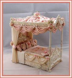 Mini Marie Antoinette bed