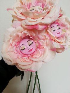 Alice in Wonderland Flowers by CreartiveStudios on Etsy