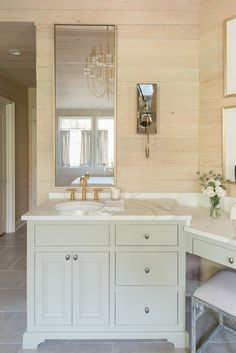 Relaxing and rejuvenating master bathrooms