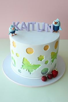 love this design of cut out pattern  -- Wendy Schultz via Sue Lassman onto Cake Decoration.