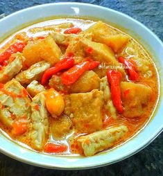Sambal Krecek Asian Recipes, Ethnic Recipes, Asian Foods, Indonesian Food, Wonderful Things, Thai Red Curry, Recipies, Food And Drink, Beef