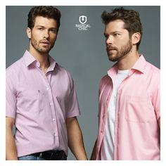 Camisa rosa, qual combina mais com seu estilo? Tradicional ou com uma camiseta branca por baixo? ;) #CamisaRosa #Individual #LookIndividual #ModaMasculina #TodaHoraÉ #RadicalChic