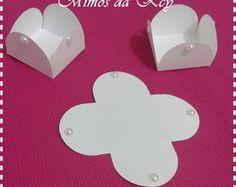 Forminha p/ doces c/ meia pérola branca