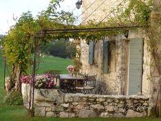 20 magnifiques terrasses avec pergola! Votre petit abri pendant l'été…