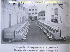 Vespacar Moto Vespa Espana Motor Scooters, Vespa Scooters, 3 Wheel Motorcycle, Vespa Ape, Super 4, Piaggio Vespa, Vintage Bikes, All Cars, Vintage Posters