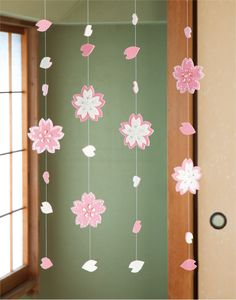 Chinese New Year Decorations, New Years Decorations, Diwali Decorations, Flower Decorations, Felt Flowers, Diy Flowers, Paper Flowers, Felt Garland, Beaded Garland