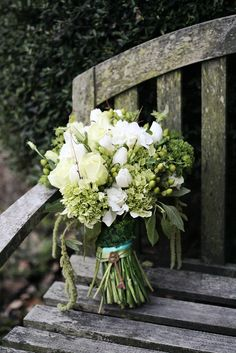 bouquet: Daevids Floral Design/ photography: eliese theuer photography / planner: Antonia Christianson Events