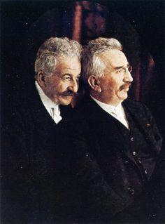 Auguste and Louis Lumière, the first filmmakers in history, 1914. Veja também: http://semioticas1.blogspot.com.br/2011/09/pandora.html