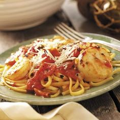 Seafood Medley with Linguine Seafood Appetizers Seafood Appetizers Appetizers Appetizers for a crowd Appetizers parties Seafood Risotto, Seafood Gumbo, Seafood Salad, Seafood Dinner, Seafood Linguine, Linguine Recipes, Seafood Pasta Recipes, Seafood Appetizers, Seafood Buffet