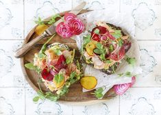 Hot smoked trout open sandwich Smoked Trout, Deli, Avocado Toast, Sandwiches, Homemade, Breakfast, Hot, Sweet, Gourmet