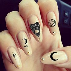 Ouija Nails? Yes please!! #ouijanails #occultnails #witchyvibes #witchynails