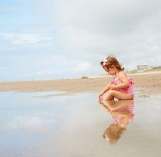 Sally sees seashells by the sea shore ...