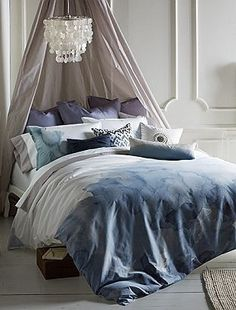 How to Ombre Dip Dye a Duvet Cover (Or anything else!)