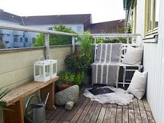 Cozy Ideas To Design Your Balcony - For an even more cozy décor, use pillows, blankets and area rugs