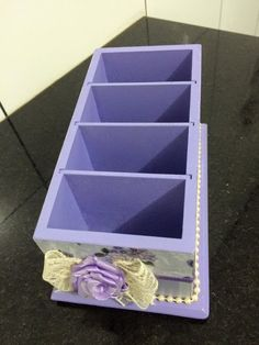 Porte controle para quarto de menina Shabby Chic Kitchen Accessories, Scrap, Cube, Boxes, Home Decor, Remote Caddy, Baby Room Girls, Toddler Girls, Craft