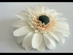 Gumpaste Daisy - How To Make A Gumpaste Daisy