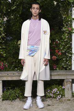 Pigalle Spring 2017 Menswear Fashion Show Japan Men Fashion, Runway Fashion, Mens Fashion, Fashion Outfits, Vogue Paris, Pigalle Paris, Live Fashion, Summer Collection, Fashion Photography